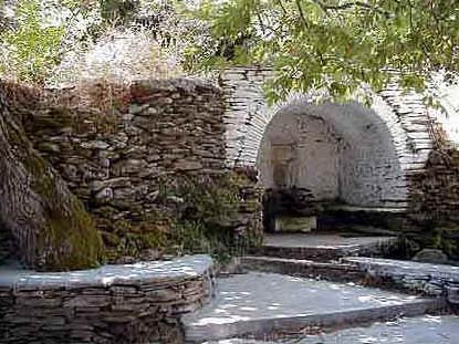 Petrenia spring in Vouni (Paleokastro) ANDROS PHOTO GALLERY - PETRENIA SPING